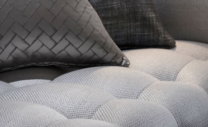 Imagen sofa y cojines de Zinc coleccion fontaine